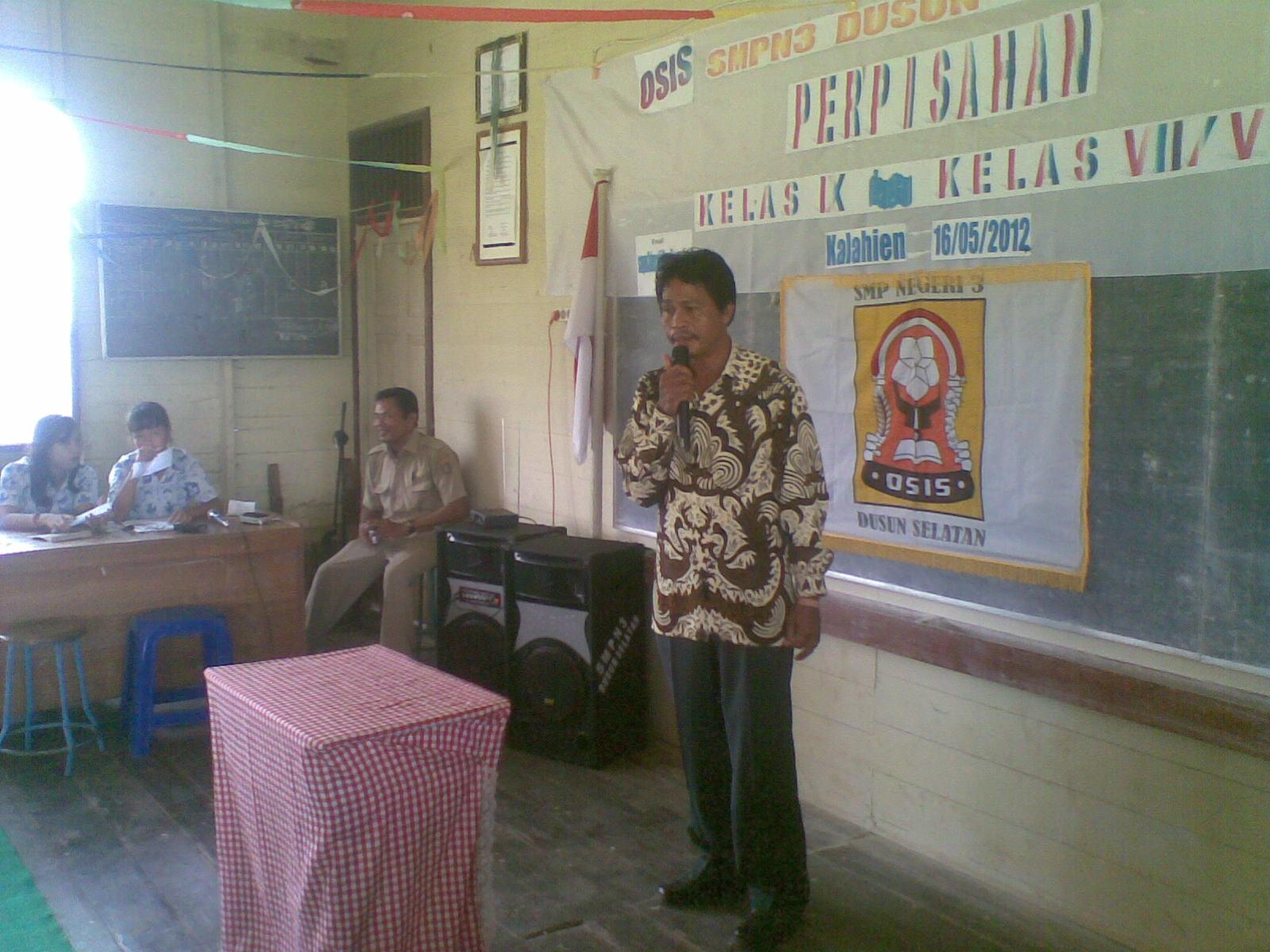 Sambutan Ketua Komite SMPN 3 Dusun Selatan Dalam Acara Perpisahan
